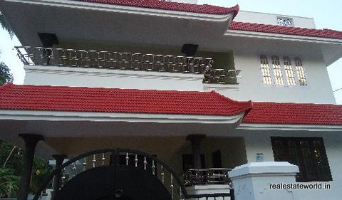 Kerala real estate thripunithura real estate 2600 for 2600 sq ft house cost